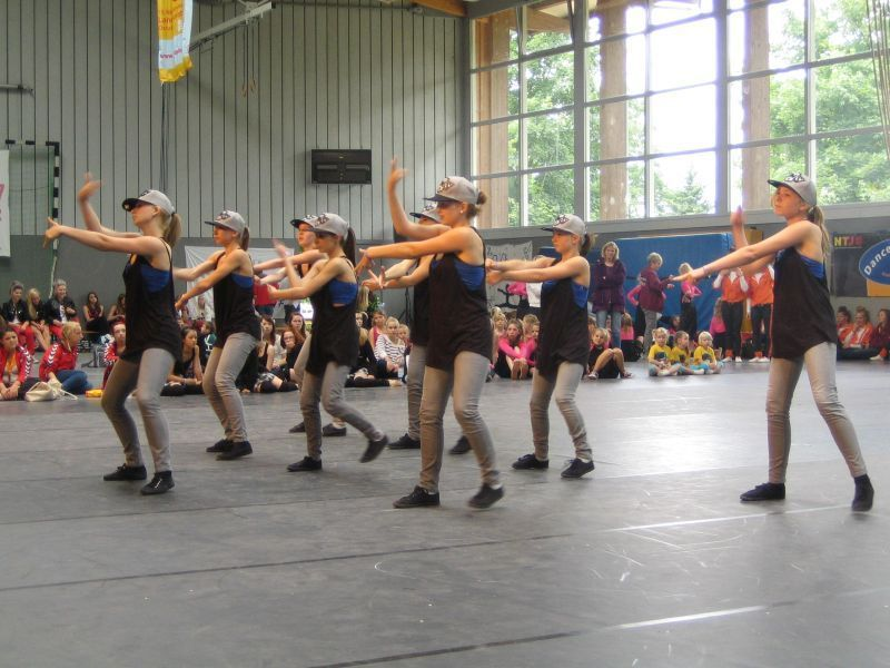 dance2u_2012_002